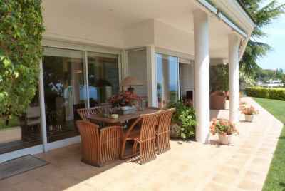 5 bedroom villa with pool in prestigious community on Maresme coast
